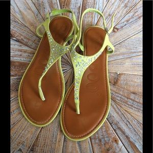 Used Size 10 Bamboo Lime Green Flat Sandals